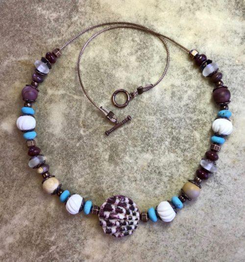 violet-shell-choker